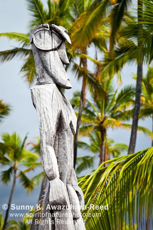 Close up of wooden scalupture, Pu'uhonua O Honaunau National Historical Park, South Kona, Big Island, Hawaii.