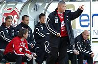 Fotball tippeligaen 05.06.06 Rosenborg - brann 0-0<br /> Trener Mons Ivar Mjelde og Brann-benken<br /> Foto: Carl-Erik Eriksson, Digitalsport