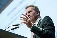 """04 DEZ 2017, BERLIN/GERMANY:<br /> Guenther Oettinger, CDU, EU-Kommissar fuer Haushalt und Personal, haelt eine Rede, Europäischer Abend """"Europäische Solidarität: Was darf's kosten?"""", dbb beamtenbund und tarifunion, dbb Atrium<br /> IMAGE: 20171204-01-084<br /> KEYWORDS: Europaeischer Abend, Günther Öttinger"""