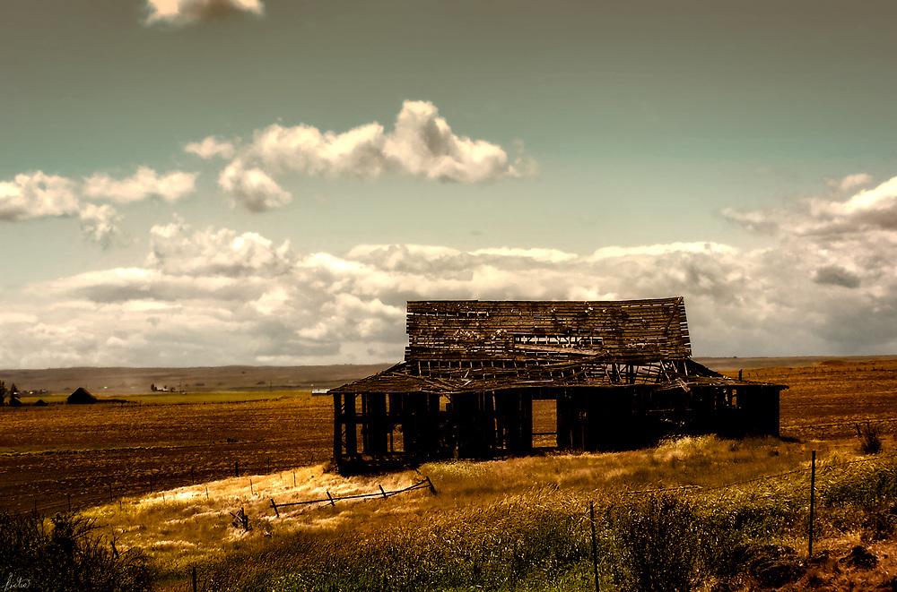 Old decrepit barn in Eastern Oregon