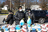 November 23, 2020 (MD): Wanda Durant & Kevin Durant Charity Foundation Thanksgiving Food Giveaway