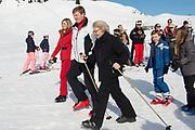 Fotosessie met de koninklijke familie in Lech /// Photoshoot with the Dutch royal family in Lech .<br /> <br /> Op de foto/ On the photo: Koningin Maxima en Koning Willem Alexander met prinses Beatrix ///// Queen Maxima and King Willem Alexander