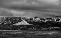 Mountains near Eyjafjallajokull, covered in volcanic ash-  Fjallasýn skammt frá Eyafjallajökli,