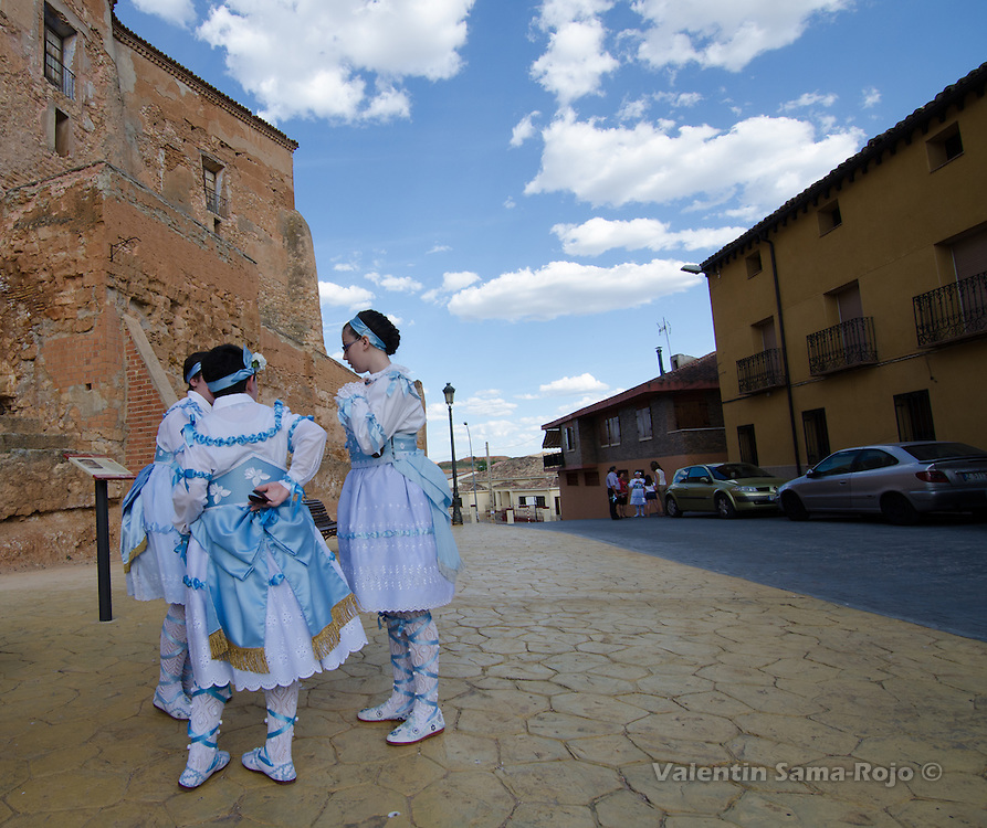 Kids waiting for the begining of the procession on the Eve of St. Juan Lorenzo festivities in Cetina, Zaragoza.