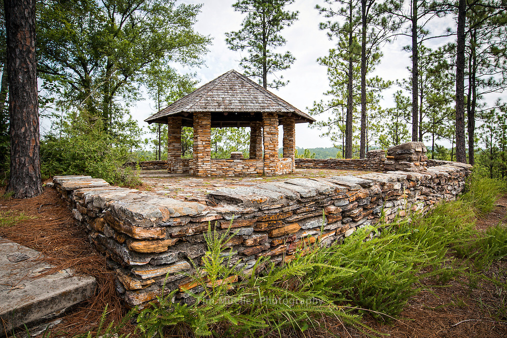 The Longleaf Vista Recreational area offers great views of the Kisatchie Hills Wilderness Area. The Interpretive Longleaf Vista Trail starts near the pavilion and   makes a 1.5 mile loop through a wide variety of forest settings.