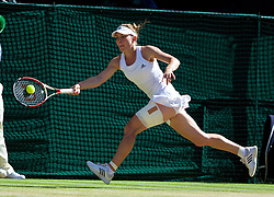 03.07.2014, All England Lawn Tennis Club, London, ENG, WTA Tour, Wimbledon, Tag 10, im Bild Simona Halep (ROU) during the Ladies' Singles Semi-Final match on day ten // during day 10 of the Wimbledon Championships at the All England Lawn Tennis Club in London, Great Britain on 2014/07/03. EXPA Pictures © 2014, PhotoCredit: EXPA/ Propagandaphoto/ David Rawcliffe<br /> <br /> *****ATTENTION - OUT of ENG, GBR*****
