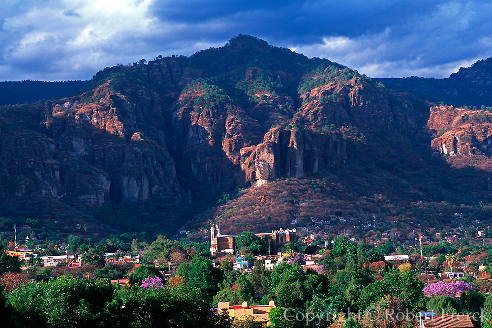 MEXICO, COLONIAL CITIES Tepoztlan: historic town and cliffs