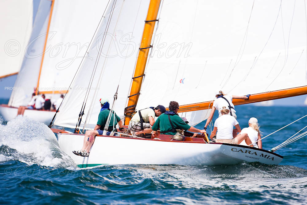 Cara Mia, NY30 Class, sailing in the Opera House Cup Regatta.