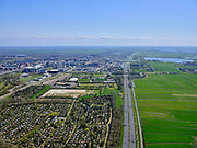 Nederland, Noord-Holland, Amsterdam; 17-04-2021; A2 richting Utrecht, gezien naar Bullewijk. Tuinpark Ons Lustoord in de voorgrond.<br /> Motorwya A2 towards Utrecht, seen towards Bullewijk. Tuinpark Ons Lustoord in the foreground.<br /> luchtfoto (toeslag op standaard tarieven);<br /> aerial photo (additional fee required)<br /> copyright © 2021 foto/photo Siebe Swart