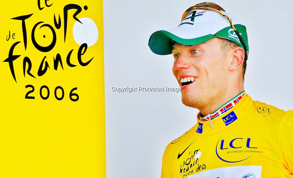 Esch-Sur-Alzette, 20060703. Tour de France 2006. Thor Hushovd kom inn til en 3. plass. Har på seg den gule ledertrøya.....Foto: Daniel Sannum Lauten / Dagbladet *** Local Caption *** Hushovd,Thor ....