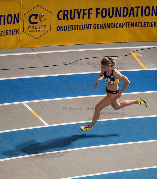 12-02-2017 NED: AA Drink NK Indoor, Apeldoorn<br /> Lisanne de Witte 460 - 400m