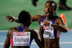 29-07-2010 ATLETIEK: EUROPEAN ATHLETICS CHAMPIONSHIPS: BARCELONA<br /> Veronique Mang en Myriam Soumare FRA<br /> ©2010-WWW.FOTOHOOGENDOORN.NL