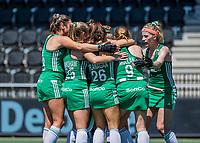 AMSTELVEEN -   Ierland celebrates het doelpint tijdens de poulewedstrijd dame, Ierland-Schotland (1-0)  bij het  EK hockey . COPYRIGHT KOEN SUYK