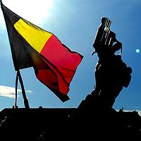 Belgie, Gent, 28-02-2015.<br /> Wielrennen, Omloop Het Nieuwsblad, Mannen Elite.<br /> De start van het Vlaamse wielerseizoen gaat van start als de starter de renners voor de Omloop het schot lost in Gent.<br /> Foto : Klaas Jan van der Weij