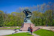 Pomnik Fryderyka Chopina, Łazienki Królewskie w Warszawie, Polska<br /> Monument to Fryderyk Chopin, Royal Baths Park in Warsaw, Poland
