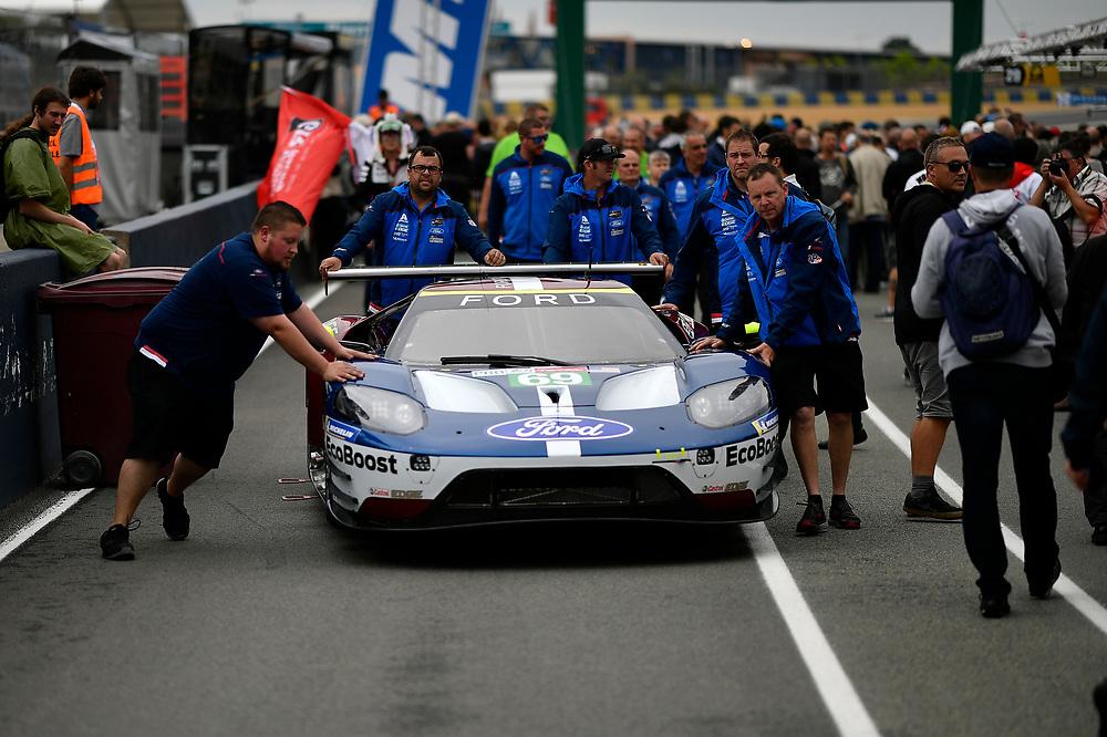 #69 Ford Chip Ganassi Racing Ford GT: Ryan Briscoe, Richard Westbrook, Scott Dixon<br /> Tuesday 12 June 2018<br /> 24 Hours of Le Mans<br /> Verizon IndyCar Series<br /> Circuit de la Sarthe  FR<br /> World Copyright: Scott R LePage<br /> LAT Images