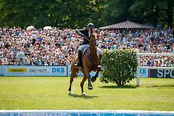 Ruder Kai, GER, Cross Keys<br /> Deutsches Spring- und Dressur Derby Hamburg 2017<br /> © Hippo Foto - Stefan Lafrentz<br /> 28-05-2017