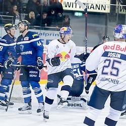 Jubel Torschütze 15 Jason Jaffray (Spieler EHC Reb Bull Muenchen) zum 0:2<br /> <br /> 25 Derek Joslin (Spieler EHC Reb Bull Muenchen), 44 Jean-Francois Jacques (Stuermer ERC Ingolstadt), 19 Danny Irmen (Stuermer ERC Ingolstadt) beim Spiel in der DEL, ERC Ingolstadt (dunkel) -  EHC Red Bull Muenchen (weiss).<br /> <br /> Foto © PIX-Sportfotos *** Foto ist honorarpflichtig! *** Auf Anfrage in hoeherer Qualitaet/Aufloesung. Belegexemplar erbeten. Veroeffentlichung ausschliesslich fuer journalistisch-publizistische Zwecke. For editorial use only.