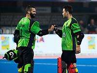 BHUBANESWAR -  Line up Spain. Hockey World League finals , Quarter Finals . Australia v Spanje .  left keeper Tristan Clemons (Aus) en keeper Tyler Lovell (Aus).  COPYRIGHT KOEN SUYK