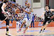 DESCRIZIONE : Campionato 2014/15 Dinamo Banco di Sardegna Sassari - Dolomiti Energia Aquila Trento Playoff Quarti di Finale Gara4<br /> GIOCATORE : David Logan<br /> CATEGORIA : Palleggio Penetrazione<br /> SQUADRA : Dinamo Banco di Sardegna Sassari<br /> EVENTO : LegaBasket Serie A Beko 2014/2015 Playoff Quarti di Finale Gara4<br /> GARA : Dinamo Banco di Sardegna Sassari - Dolomiti Energia Aquila Trento Gara4<br /> DATA : 24/05/2015<br /> SPORT : Pallacanestro <br /> AUTORE : Agenzia Ciamillo-Castoria/C.AtzoriAUTORE : Agenzia Ciamillo-Castoria/C.Atzori
