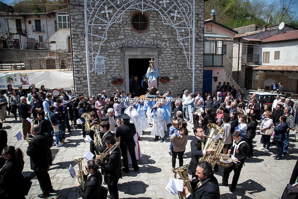 Sant'Ilario (PZ) 28.04.2013 - Processione Madonna Incoronata.