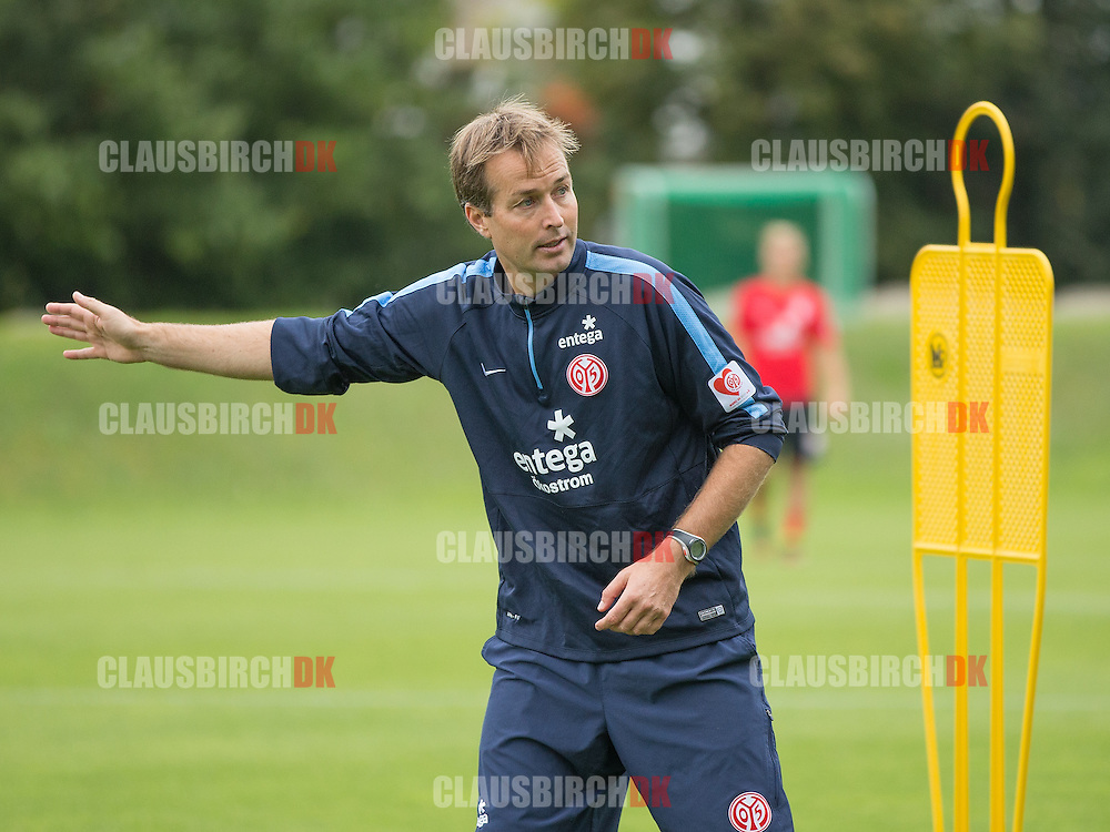 FOOTBALL: Head Coach Kasper Hjulmand during the 1. FSV Mainz 05 Training Session at the Bruchweg Stadium on September 19, 2014 in Mainz, Germany. Photo: Claus Birch