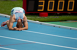 Bostjan Buc of Slovenia exhausted after he competed in the Mens 3000m Steeplechase Heat during day four of the 20th European Athletics Championships at the Olympic Stadium on July 30, 2010 in Barcelona, Spain.  (Photo by Vid Ponikvar / Sportida)