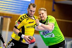 27.04.2018, BSFZ Suedstadt, Maria Enzersdorf, AUT, HLA, SG INSIGNIS Handball WESTWIEN vs Bregenz Handball, Viertelfinale, 1. Runde, im Bild Povilas Babarskas (Bregenz Handball), Wilhelm Jelinek (SG INSIGNIS Handball WESTWIEN) // during Handball League Austria, quarterfinal, 1 st round match between SG INSIGNIS Handball WESTWIEN and Bregenz Handball at the BSFZ Suedstadt, Maria Enzersdorf, Austria on 2018/04/27, EXPA Pictures © 2018, PhotoCredit: EXPA/ Sebastian Pucher