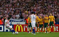 Photo: Glyn Thomas.<br />Croatia v Australia. Group F, FIFA World Cup 2006. 22/06/2006.<br /> Croatia's Darijo Srna (L) gives his side an early lead from a free kick.
