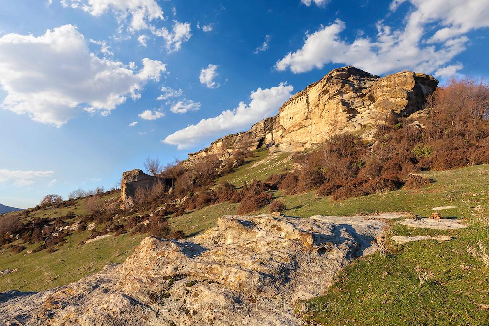 Thracian niches in Asara peak