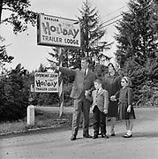 Y-660829-08. Holliday Trailer Park, Nehalem, Governor Hatfield & family, August 29, 1966