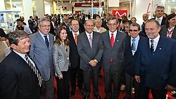O ministro da saúde, Alexandre Padilha durante sua visita aos pavilhões da HOSPITALAR 2011 - 18ª Feira Internacional de Produtos, Equipamentos, Serviços e Tecnologia para Hospitais, Laboratórios, Clínicas e Consultórios, que acontece de 24 a 27 de maio de 2011, no Expo Center Norte, em São Paulo. FOTO: Jefferson Bernardes/Preview.com