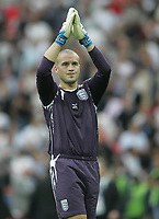 Photo: Lee Earle.<br /> England v Israel. UEFA European Championships Qualifying. 08/09/2007.England keeper Paul Robinson celebrates their win at the end of the match.