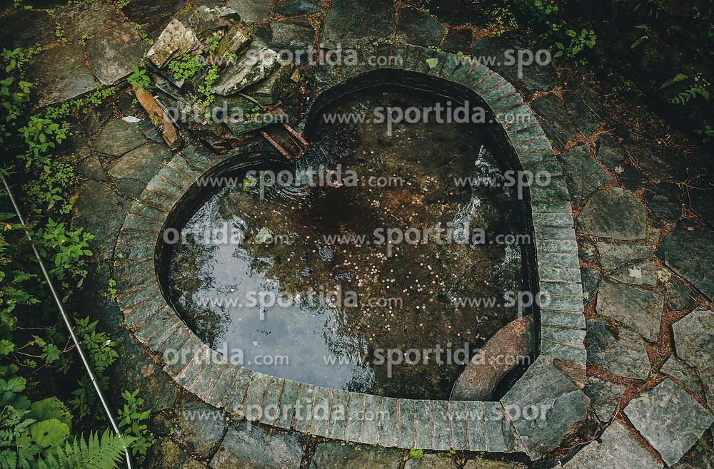 THEMENBILD - ein Herzförmiges Becken einer Heilquelle, aufgenommen am 25. August 2019 in Bad Fusch, Oesterreich // a heart-shaped pool of a medicinal spring in Bad Fusch, Austria on 2019/08/25. EXPA Pictures © 2019, PhotoCredit: EXPA/ JFK