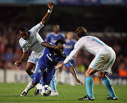 28.09.2010, Stamford Bridge, London, ENG, UEFA Champions League, Chelsea vs Olympique Marseille, im Bild .OM's Andre Ayew  fouls Michael Essien of Chelsea   during the Match Chelsea v Marseille, Group F, of  the UCL ( Uefa Champions League Group stages)  at Stamford Bridge in London. EXPA Pictures © 2010, PhotoCredit: EXPA/ IPS/ Marcello Pozzetti +++++ ATTENTION - OUT OF ENGLAND/UK +++++ / SPORTIDA PHOTO AGENCY