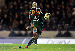 Owen Williams of Leicester Tigers kicks for the posts - Photo mandatory by-line: Patrick Khachfe/JMP - Mobile: 07966 386802 07/12/2014 - SPORT - RUGBY UNION - Leicester - Welford Road - Leicester Tigers v Toulon - European Rugby Champions Cup