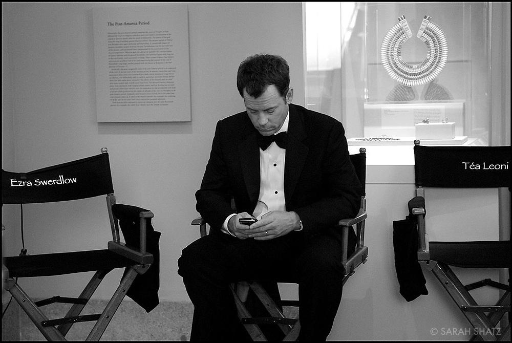 "Greg Kinnear on the set of ""Ghost Town"" (Dir: David Koepp, 2008)"