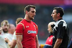 Sam Warburton of Wales speaks to referee Craig Joubert - Mandatory byline: Patrick Khachfe/JMP - 07966 386802 - 12/03/2016 - RUGBY UNION - Twickenham Stadium - London, England - England v Wales - RBS Six Nations.