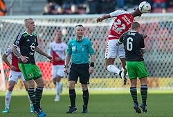 01-03-2015 NED: FC Utrecht - Feyenoord, Utrecht<br /> In de Galgenwaard voltrok zich een inspiratieloos duel en eindigde dan ook in 0-0 / /Jordy Clasie © #6, Sebastien Haller #22 FRA, Lex Immers #10, Scheidsrechter Bram Kuipers