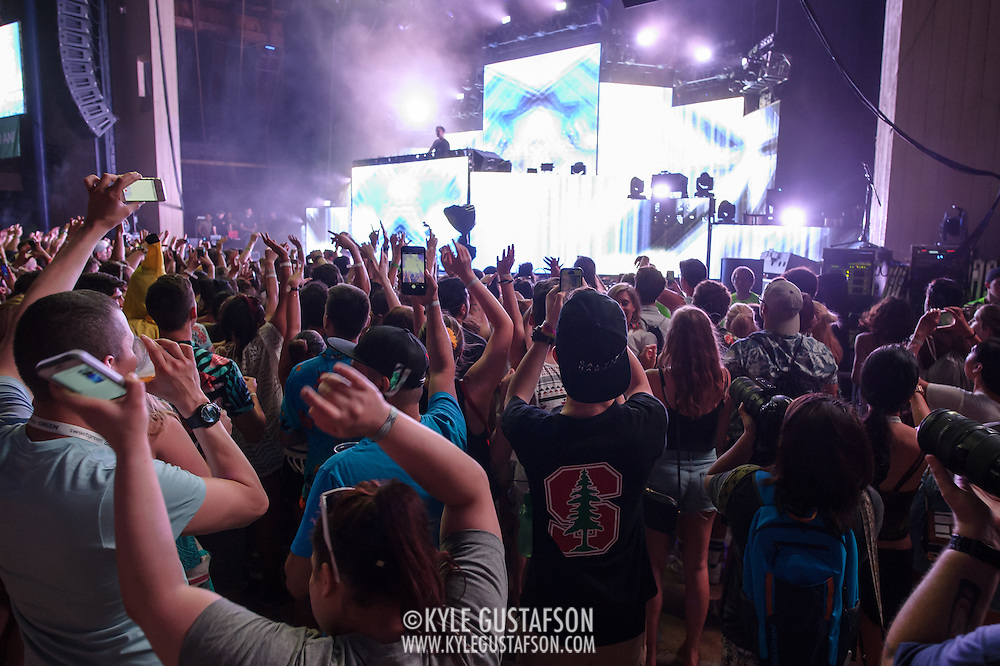 COLUMBIA, MD - May 31, 2015 - Calvin Harris performs at the 2015 Sweetlife Festival at Merriweather Post Pavilion in Columbia, MD. (Photo by Kyle Gustafson / For The Washington Post)