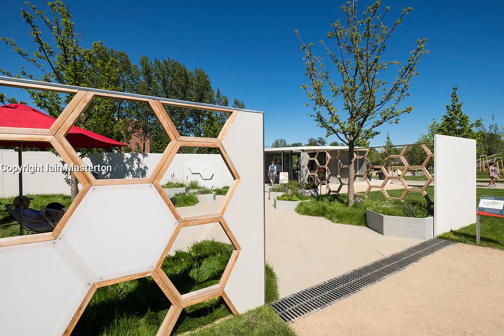 Honey Suite Garden designed for beekeeping, one of the Garden Settings gardens, ideas for urban gardens,  at IGA 2017 International Garden Festival (International Garten Ausstellung) in Berlin, Germany