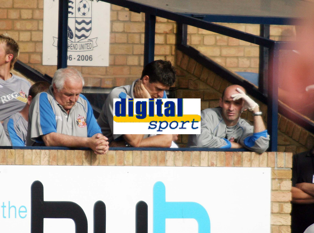 Photo: Chris Ratcliffe.<br />Southend United v Sunderland. Coca Cola Championship. 19/08/2006.<br />Niall Quinn (centre), manager of Sunderland with his assistants.
