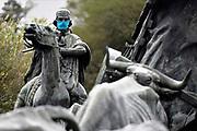 20200505/ Daniel Rodriguez - adhocFOTOS/ URUGUAY/ MONTEVIDEO/ PARQUE BATLLE/ Monumentos de la ciudad de Montevideo fueron intervenidos con barbijos como campaña de concientización del uso de los mismos por la Intendencia de Montevideo. <br /> En la foto: Monumento La Carreta intervenido con un barbijo en el Parque Batlle. Foto: Daniel Rodriguez /adhocFOTOS