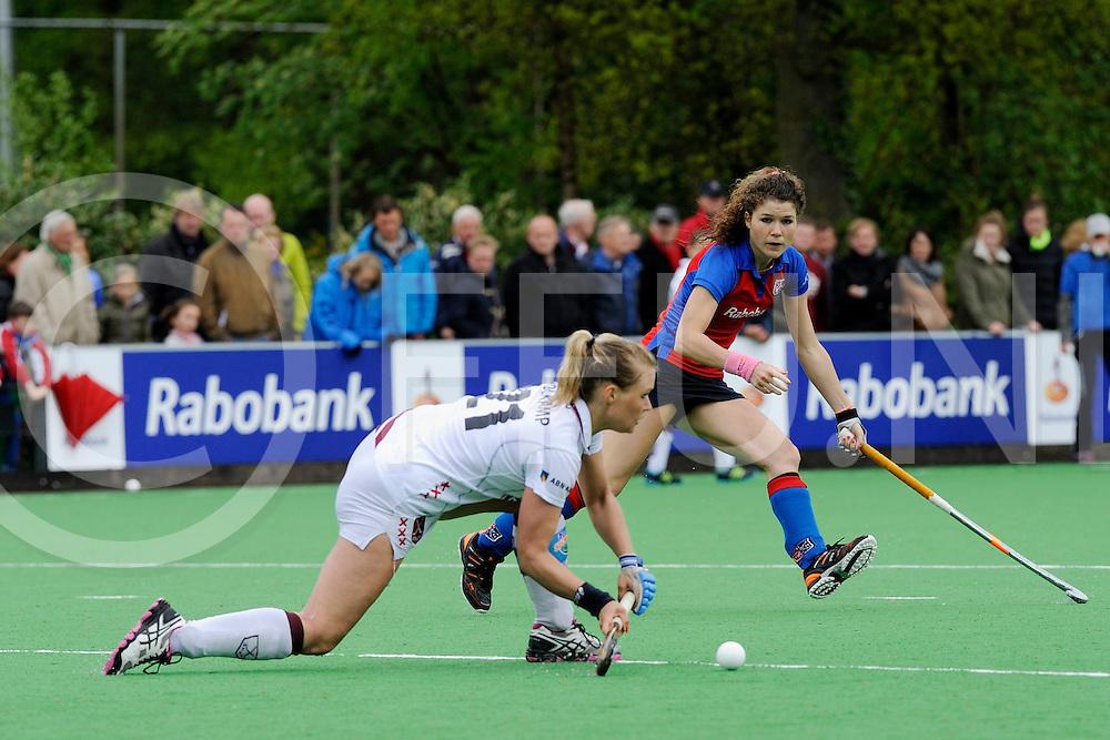 BILTHOVEN - SCHC v Amsterdam Dames<br /> Hoofdklasse dames Play Off<br /> Foto: Sophie Polkamp verdedigt Roos Drost.<br /> FFU PRESS AGENCY COPYRIGHT FRANK UIJLENBROEK
