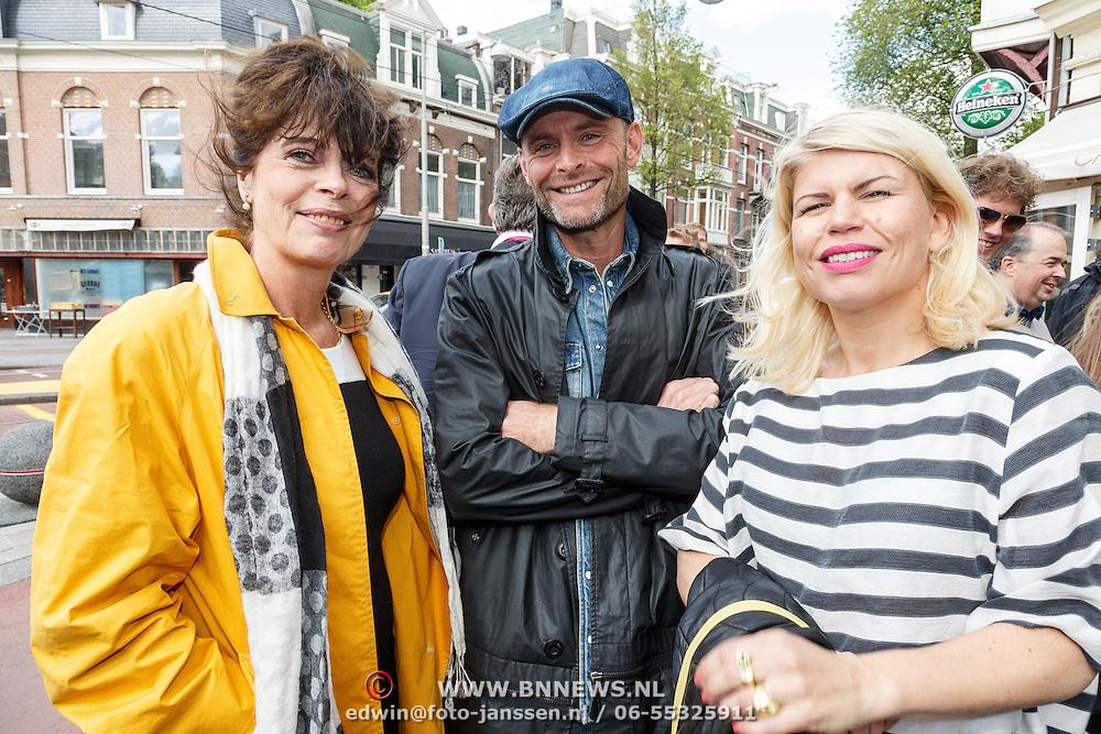 NLD/Amsterdam/20150526 - Boekpresentatie Huisje, Boompje, Buikje van Bastiaan Ragas, Lieneke le Roux, bert Rutteman en partner Annemarie Jung
