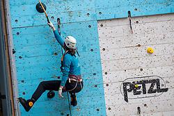 17-12-2016 NED: 2e Petzl NK IJsklimmen, Utrecht<br /> Bij klimmuur Kalymnos in Utrecht werd voor de tweede keer het NK IJsklimmen georganiseerd / Noël Diepens