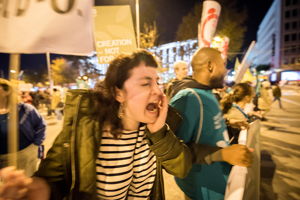 6 December 2019, Madrid, Spain: Shana Rose shouts her heart out in a cry for climate justice, as thousands upon thousands of people march through the streets of central Madrid as part of a public contribution to the United Nations climate meeting COP25, urging decision-makers to take action for climate justice.