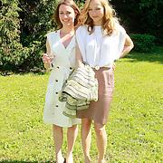 ITA/Lucca /20130521 - Presenttie Cast film De Toscaanse Bruiloft, Sophie van Oers en Carolien Spoor