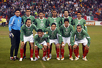 SAN FRANCISCO, CAL   25-01-2006<br /> <br /> Mexico team before friendly match between Mexico and Norway at Monster Park stadium in San Francisco, California, on January, 25, 2006<br /> <br /> <br /> <br /> FOTO ©ALEJANDRO MELENDEZ  Clasos/Graffiti