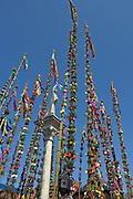 Lipnica Murowana, 2006-04-09. Konkurs palm wielkanocnych przy kolumnie św. Szymona z Lipnicy w Niedzielę Palmową w Lipnicy Murowanej